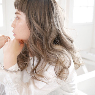 アッシュ ロング 外国人風カラー グレージュ ヘアスタイルや髪型の写真・画像