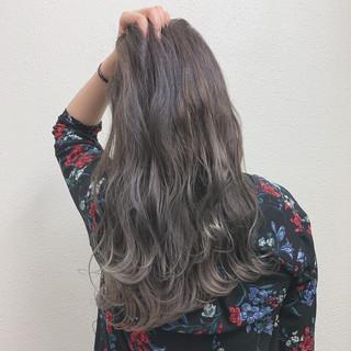 エレガント ミルクティー ロング ハイライト ヘアスタイルや髪型の写真・画像