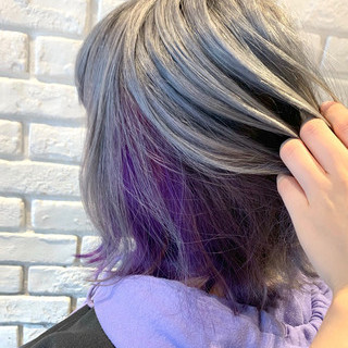 インナーカラー ストリート ホワイトカラー ハイトーンカラー ヘアスタイルや髪型の写真・画像