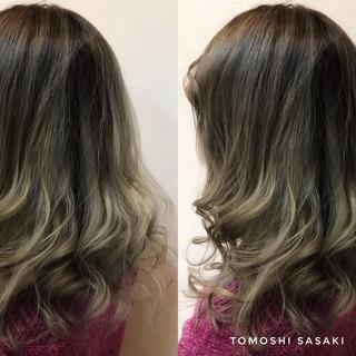 ガーリー セミロング 派手髪 ヘアスタイルや髪型の写真・画像 ヘアスタイルや髪型の写真・画像