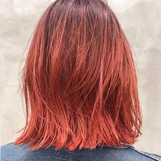 ダブルカラー バレイヤージュ 切りっぱなし ストリート ヘアスタイルや髪型の写真・画像