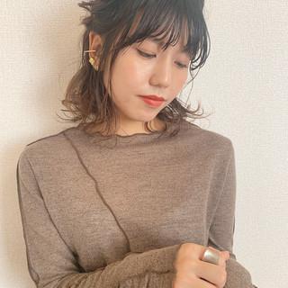 セルフアレンジ ボブアレンジ 簡単ヘアアレンジ セミロング ヘアスタイルや髪型の写真・画像