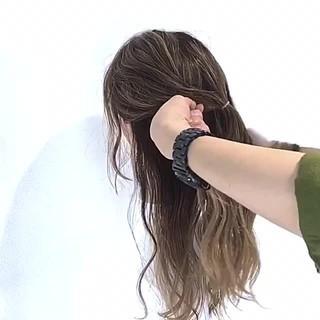 簡単ヘアアレンジ オフィス デート フェミニン ヘアスタイルや髪型の写真・画像