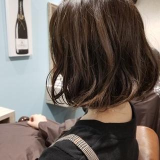 ウェーブ ハイライト カール デート ヘアスタイルや髪型の写真・画像 ヘアスタイルや髪型の写真・画像