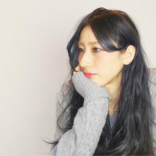 フェミニン アッシュ 黒髪 かっこいい ヘアスタイルや髪型の写真・画像