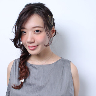 簡単ヘアアレンジ ショート フィッシュボーン ヘアアクセ ヘアスタイルや髪型の写真・画像 ヘアスタイルや髪型の写真・画像