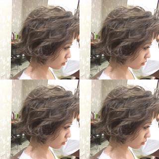 外国人風 くせ毛風 ショート ストリート ヘアスタイルや髪型の写真・画像 ヘアスタイルや髪型の写真・画像