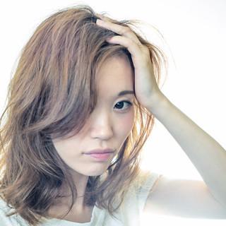 ゆるふわ セミロング 大人かわいい アッシュ ヘアスタイルや髪型の写真・画像