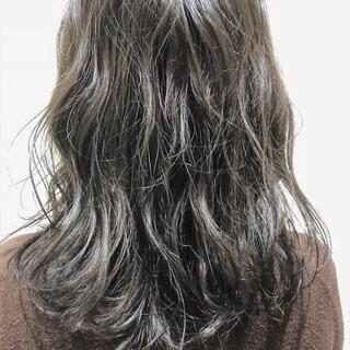 アディクシーカラー ナチュラル オルティーブアディクシー グレージュ ヘアスタイルや髪型の写真・画像