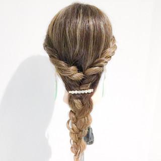 簡単ヘアアレンジ エレガント 女子会 ロング ヘアスタイルや髪型の写真・画像 ヘアスタイルや髪型の写真・画像