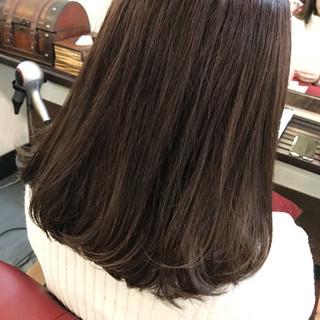 グラデーションカラー ストリート グレージュ ミディアム ヘアスタイルや髪型の写真・画像