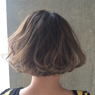 暗髪 簡単 グラデーションカラー パーマ ヘアスタイルや髪型の写真・画像