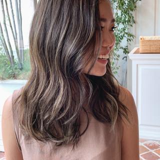 ハイライト ロング 外国人風カラー グラデーションカラー ヘアスタイルや髪型の写真・画像