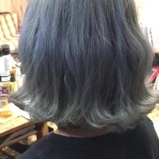 簡単ヘアアレンジ グレージュ ボブ アンニュイほつれヘア ヘアスタイルや髪型の写真・画像