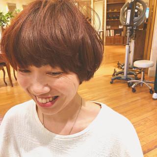 マッシュヘア オレンジブラウン ショート ショートマッシュ ヘアスタイルや髪型の写真・画像