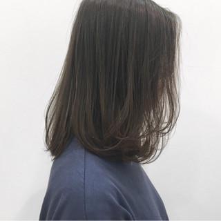 アッシュ ナチュラル 抜け感 ストレート ヘアスタイルや髪型の写真・画像 ヘアスタイルや髪型の写真・画像