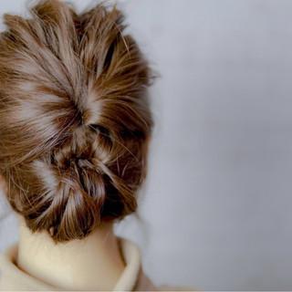 ミディアム ゆるふわ くるりんぱ ヘアアレンジ ヘアスタイルや髪型の写真・画像