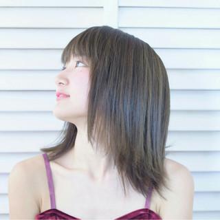 切りっぱなし 色気 ナチュラル アッシュ ヘアスタイルや髪型の写真・画像 ヘアスタイルや髪型の写真・画像