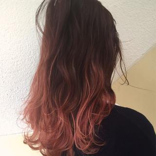 グラデーションカラー ロング 外国人風 ピンク ヘアスタイルや髪型の写真・画像