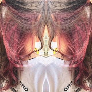 ロング ピンク 個性的 ナチュラル ヘアスタイルや髪型の写真・画像