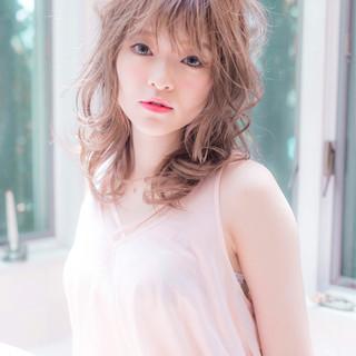 外国人風フェミニン 巻き髪 デート フェミニン ヘアスタイルや髪型の写真・画像
