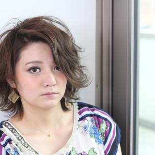 ミディアムヘアー ウルフ ウルフパーマ ウルフカット ヘアスタイルや髪型の写真・画像