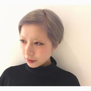 モード ショート ハイトーン ホワイト ヘアスタイルや髪型の写真・画像