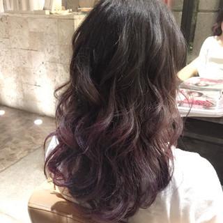 レッド グラデーションカラー ピンク ストリート ヘアスタイルや髪型の写真・画像