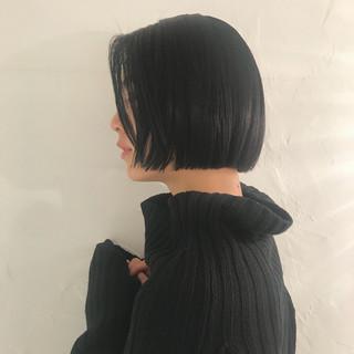 ボブヘアー ワンレングス 切りっぱなし ナチュラル ヘアスタイルや髪型の写真・画像