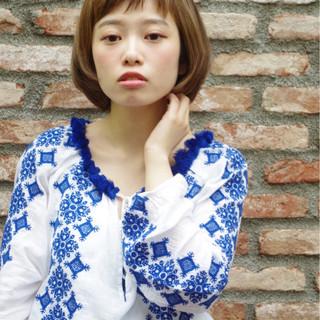 フェミニン ワイドバング ストリート 外国人風 ヘアスタイルや髪型の写真・画像