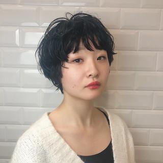 マッシュ ナチュラル ショートヘア くせ毛風 ヘアスタイルや髪型の写真・画像