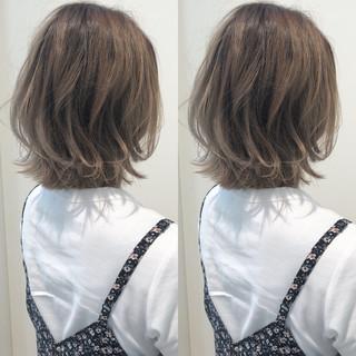 ストリート ハイライト ハイトーン ヘアアレンジ ヘアスタイルや髪型の写真・画像