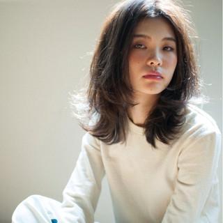 外国人風 ハイライト パーマ ブラウン ヘアスタイルや髪型の写真・画像