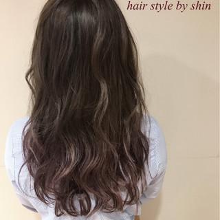 ロング ナチュラル リラックス パーマ ヘアスタイルや髪型の写真・画像 ヘアスタイルや髪型の写真・画像