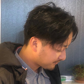 ナチュラル ショート センター分け スパイラルパーマ ヘアスタイルや髪型の写真・画像