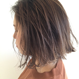 外国人風 切りっぱなし イルミナカラー ハイライト ヘアスタイルや髪型の写真・画像