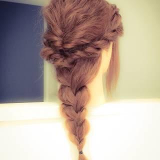 三つ編み 愛され ねじり ヘアアレンジ ヘアスタイルや髪型の写真・画像