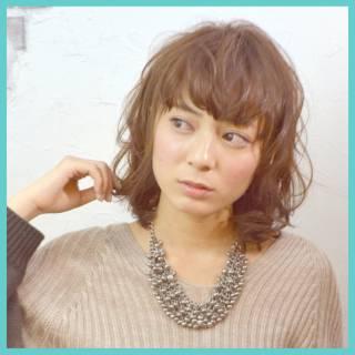 春 ガーリー ストリート フェミニン ヘアスタイルや髪型の写真・画像