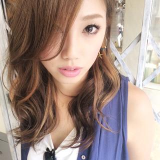 インナーカラー 大人かわいい 前髪あり ストリート ヘアスタイルや髪型の写真・画像