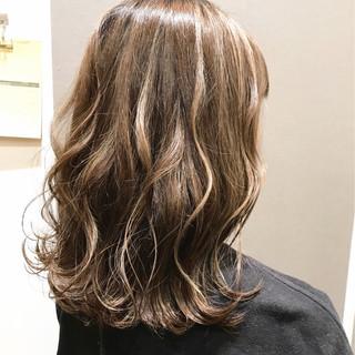 ヘアアレンジ グレージュ 大人かわいい ナチュラル ヘアスタイルや髪型の写真・画像