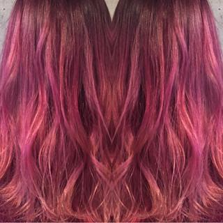 ピンク ストリート ベリーピンク セミロング ヘアスタイルや髪型の写真・画像