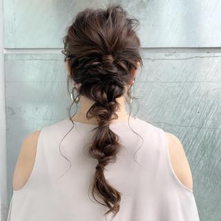 ヘアアレンジ フェミニン 大人女子 編みおろし ヘアスタイルや髪型の写真・画像