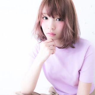 ピンク グレージュ ベージュ ボブ ヘアスタイルや髪型の写真・画像