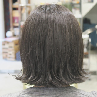 暗髪 フェミニン ナチュラル アッシュ ヘアスタイルや髪型の写真・画像