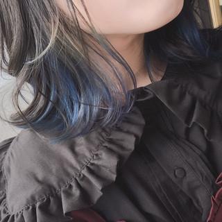 ブルーアッシュ ブルーラベンダー 青紫 インナーカラー ヘアスタイルや髪型の写真・画像