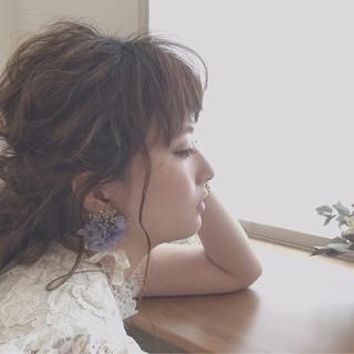 フェミニン 編み込み ゆるふわ 簡単ヘアアレンジ ヘアスタイルや髪型の写真・画像