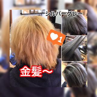 ショート シルバーグレー ストリート ブリーチオンカラー ヘアスタイルや髪型の写真・画像