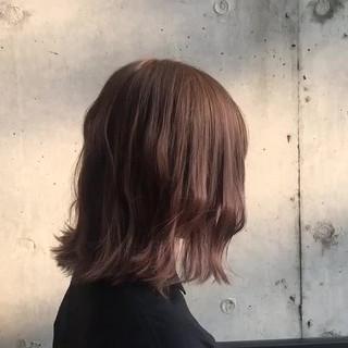 ミルクティーベージュ アッシュベージュ ボブ デート ヘアスタイルや髪型の写真・画像