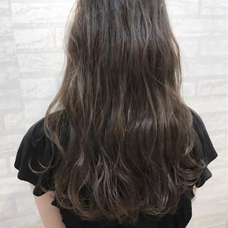 梅雨 アンニュイ リラックス エレガント ヘアスタイルや髪型の写真・画像