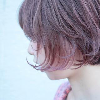 ダブルカラー ショートボブ ピンク ショート ヘアスタイルや髪型の写真・画像